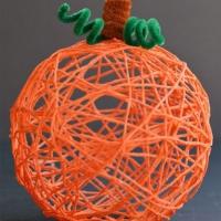 Yarn Pumpkins Using Balloons
