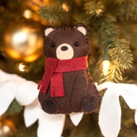 Felt bear ornament DIY