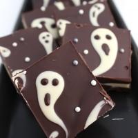 Ghostly Halloween candy bark