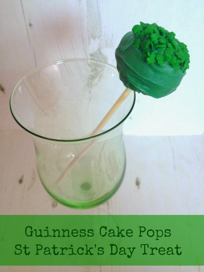 St Partick's Day Treats: Shamrock Cake Pops