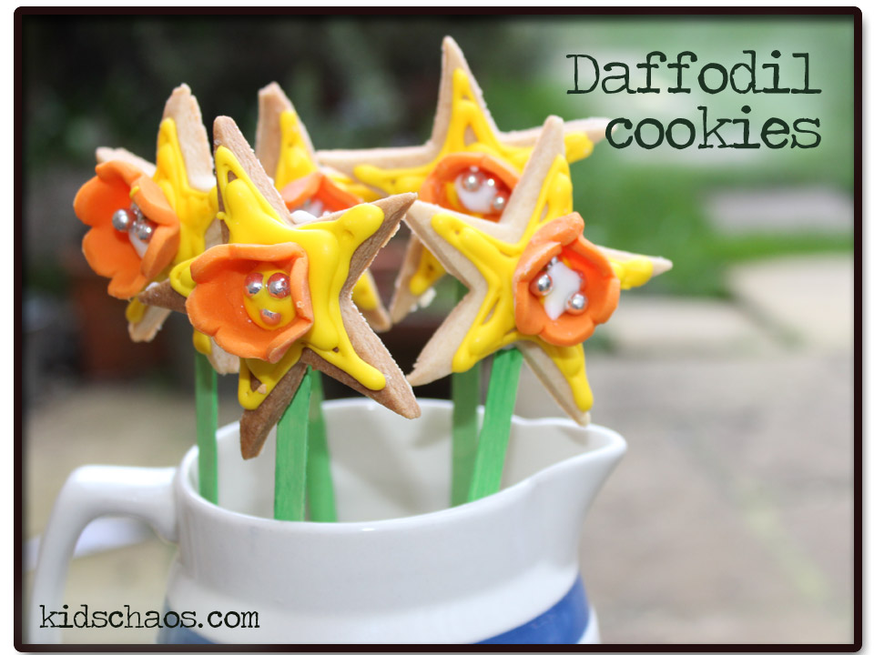 Daffodil cookies with royal icing