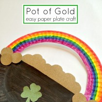 St Patrick's Day: Paper Plate Rainbow
