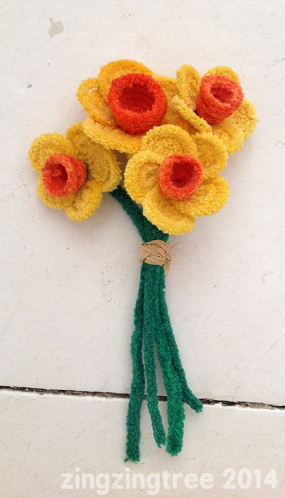 Spring crafts pipecleaner flowers fun crafts kids for Easter crafts pipe cleaners