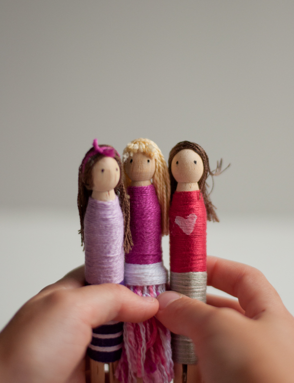 DIY Dolls – Yarn Wrapped Peg Dollies