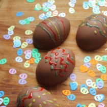 Make Chocolate Easter Eggs