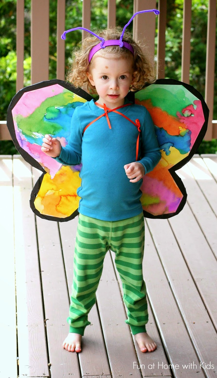 DIY Costumes: Cardboard Butterfly Wings - Fun Crafts Kids