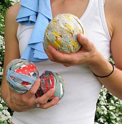 fabric upcycling juggling balls