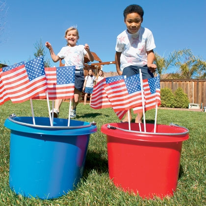 Patriotic 4th July Games - get ready for your 4th of July Party and these fabulous Patriotic Garden Games for kids to make and play.