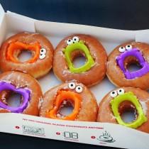 Vampire Teeth Donuts – Easy Treats for Halloween
