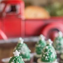Strawberry Christmas Tree Treats