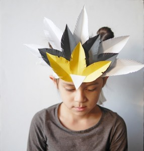DIY-feather-crown