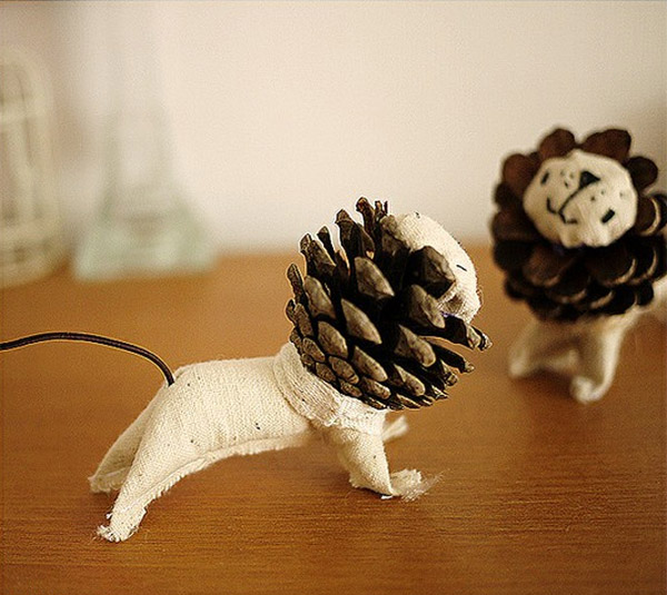 lions-mane-pine-cone1