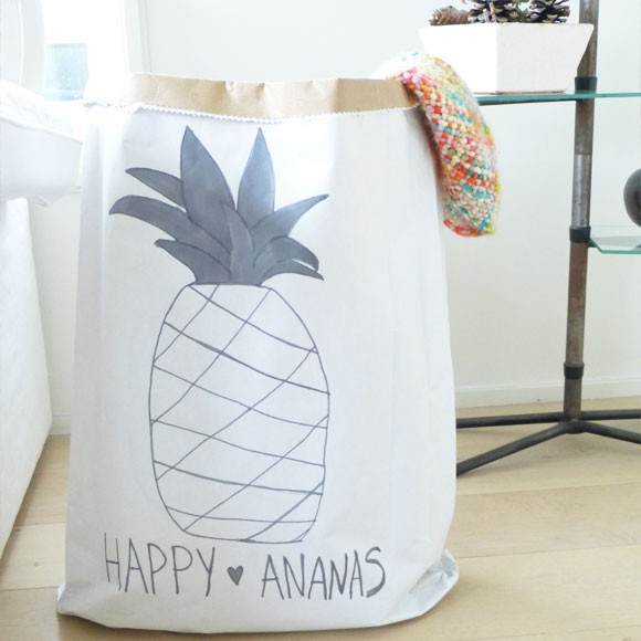 DIY paperbag storage