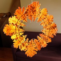 Simple Leaf Wreath for Fall