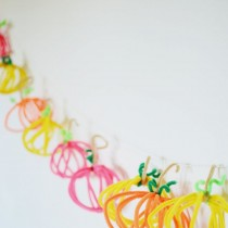 DIY Pipe Cleaner Pumpkins
