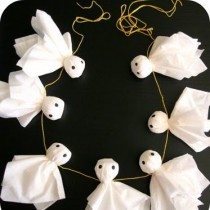 Easy Ghost Garland – Halloween Decoration