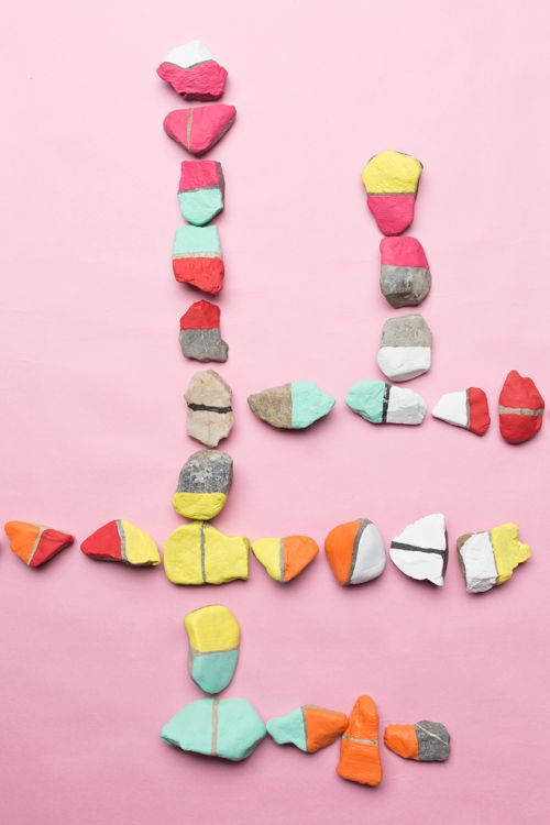 DIY Dominoes Craft - this is such a cute craft to make with any shaped pebble or stone. Hours of play!