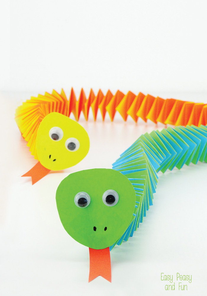 Easy paper snake craft fun crafts kids for Cool fun easy crafts
