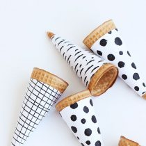 black and white ice cream cones FREE printable