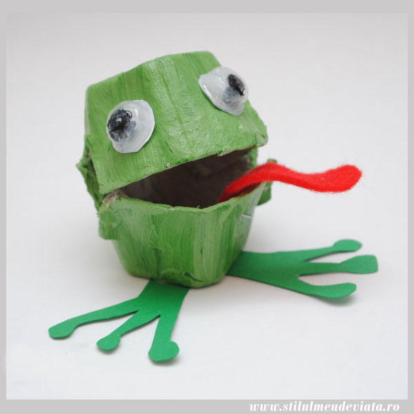 Egg box Frog craft