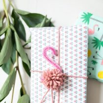 Flamingo Pom Pom (Garland or Gift Wrap)