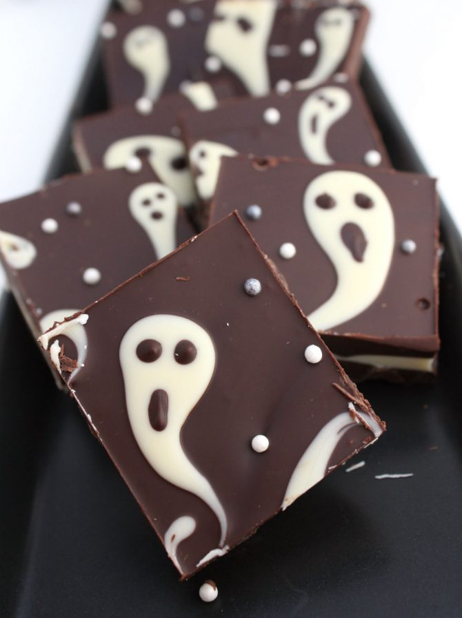 Ghostly Halloween candy bark