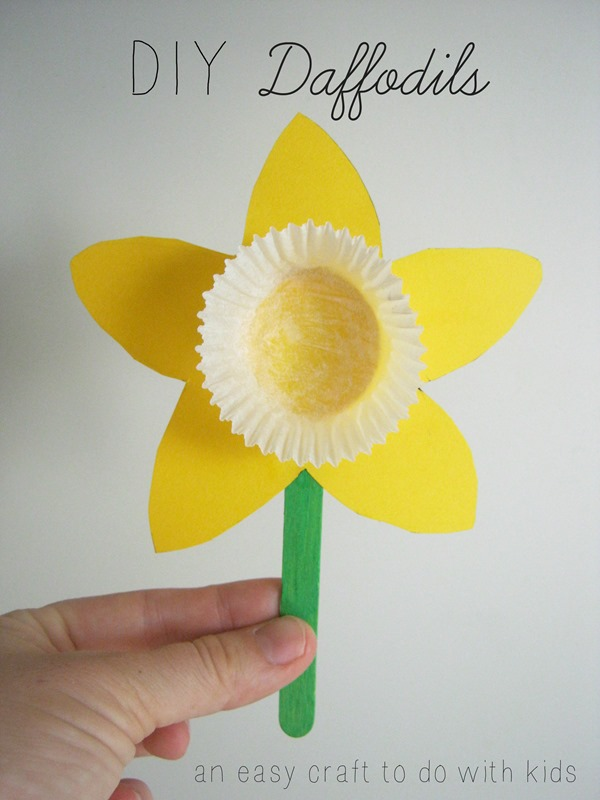 DIY cupcake case Daffodils