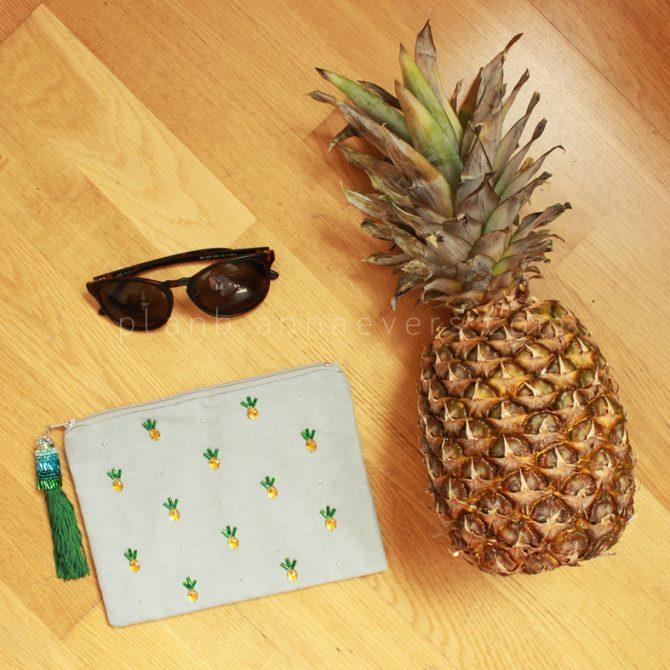 DIY Pineapple clutch bag