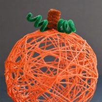 Yarn Pumpkins Using Balloons