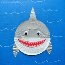SHARKS – cupcake liner shark kids craft
