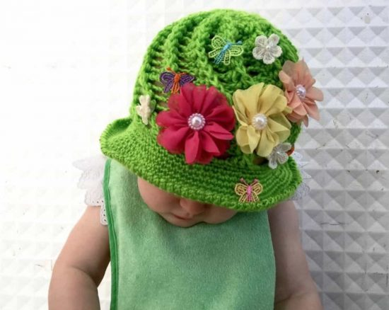 Crochet-Cloche-Hat-Pattern-Free-The-WHOot--550x438